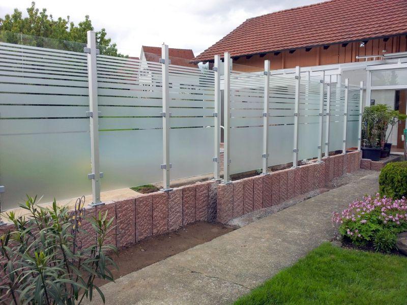 Sichtschutz Kunststoff Tur : Sichtschutz Aus Glas Terrasse  Der Sichtschutz Aus Satiniertem Glas